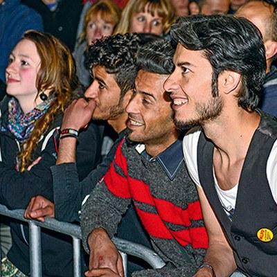 Flüchtlingspolitik von MLPD und REBELL überzeugt Jugendliche