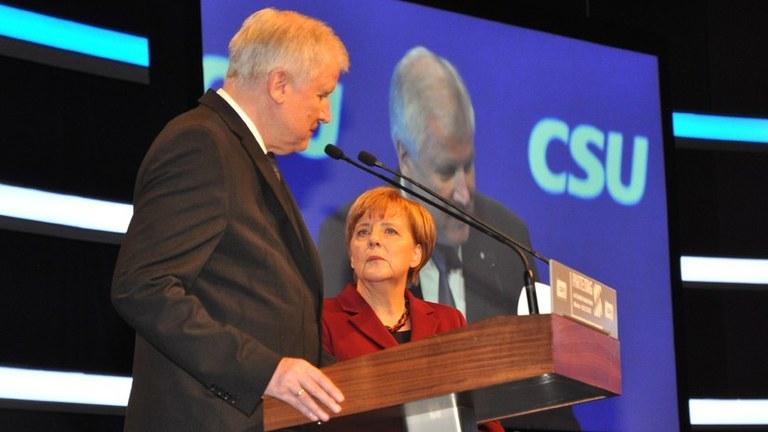 Offene Regierungskrise in Berlin -  offensives Engagement gegen die Rechtsentwicklung der Regierung gefragt!