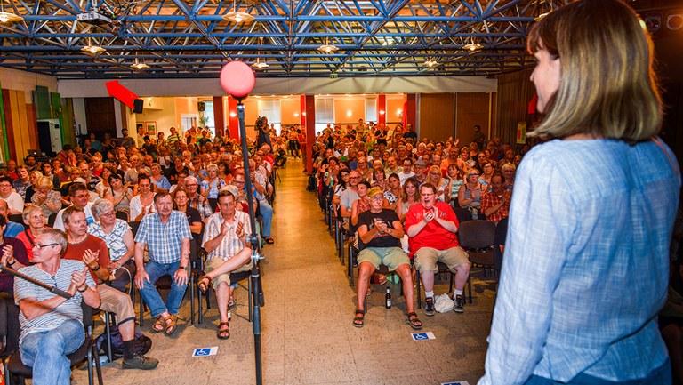 """Protestversammlung gegen """"Nutzungsuntersagung"""" des Kultursaals Horster-Mitte mit über 400 Teilnehmerinnen und  Teilnehmern"""