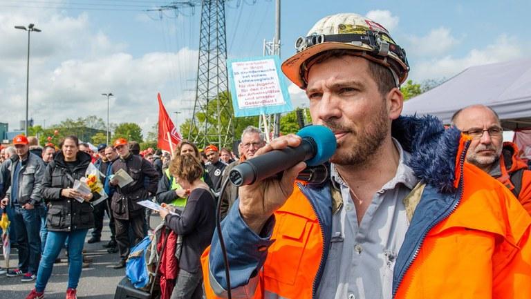Für Arbeit, Frieden, Umwelt, echten Sozialismus – stärkt die MLPD!