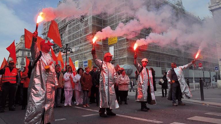 MLPD beteiligt sich aktiv an 100 Kundgebungen, Demonstrationen oder Auto-Korsos bundesweit - Deutschlands beste Übersicht bei Rote Fahne News