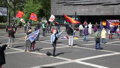 Mai-Kundgebungen, Demonstrationen und andere öffentlichen Aktionen an über 100 Orten
