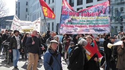 Ostern für den Frieden demonstrieren