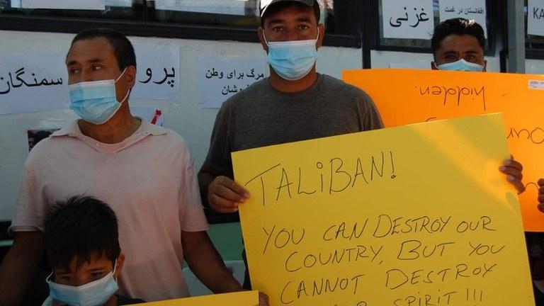 Protest in Kara Tepe