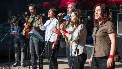 Die Umsetzung: Polizeiangriff auf MLPD und Rebellisches Musikfestival