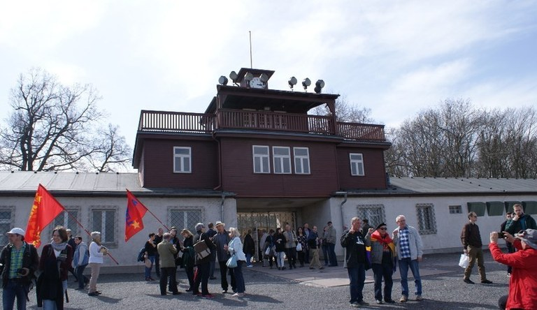Protest against the ban of the antifascist memorial event on the occasion of the 75th anniversary of the execution of Ernst Thälmann