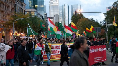 Tag X: Proteste gegen den faschistischen türkischen Angriffskrieg gegen Rojava!